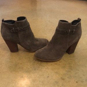 Shoes - Super cute booties!